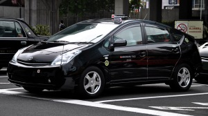 Toyota_Prius_Hinomaru_Taxi 72dpi