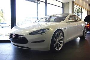 TeslaModelSsedanLight