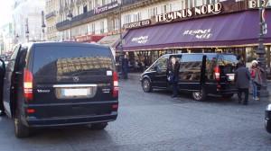 Paris, gare du Nord. La maraude incessante des VTC et des Loti crée la confusion dans les zones d'affluence.