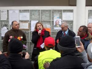 Interpellée par les taxis parisiens, Danielle Simonnet est venue les soutenir : « Bravo pour l'amour de votre métier qui transparaît dans tous vos mots et pour votre courage face aux difficultés que vous subissez ! »
