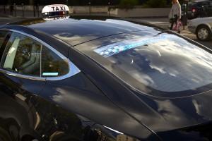 Bouton connecté, courses jeunes à 10€, Taxis verts ..., Taxis Bleus est un exemple de l'inventivité de la French tech en matière de mobilité.