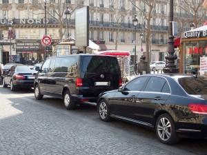 Malgré les contrôles de police renforcés dans les gares et aéroports parisiens ainsi que dans plusieurs zones urbaines des départments, la maraude reste incessante.
