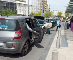 Emaillée de confrontation entre taxis, VTC et Loti, la période estivale a débuté. À Marseille, les taxis sont intervenus pour perturber un meeting de recrutement d'Uber. À Saint-Etienne, le dernier match de l'EUFA Euro s'est fait sous surveillance policière des transporteurs.